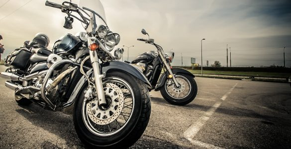 https://www.universmoto.com/wp-content/uploads/2017/11/motorcycle-2197863-585x300.jpg